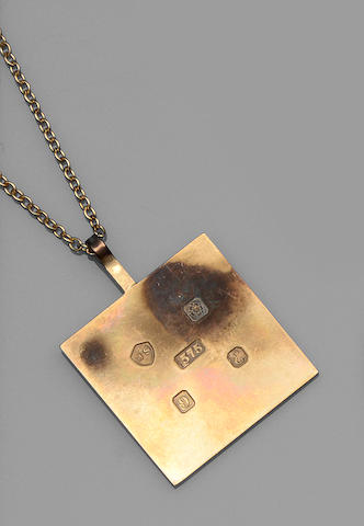 A 9ct gold square ingot pendant