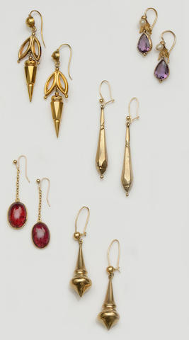 A collection of earpendants (11)