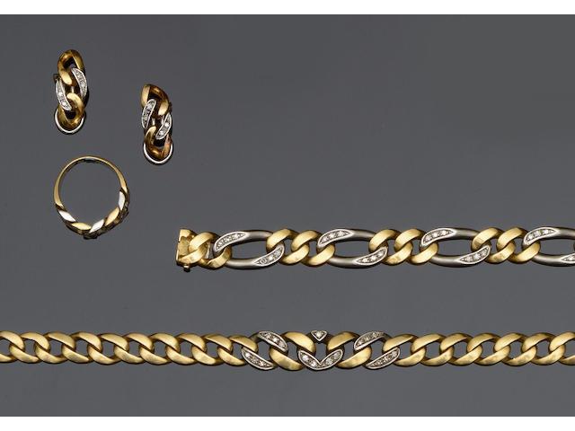 A two colour diamond set curb-link matched suite (4)