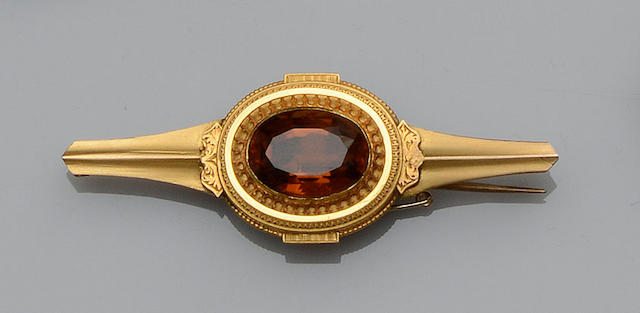 A citrine bar brooch