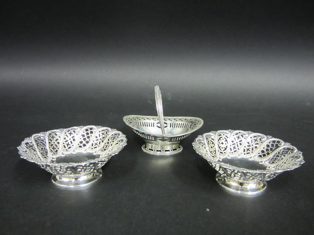 A Victorian pair of silver bon bon dishes  Sheffield 1893  (3)