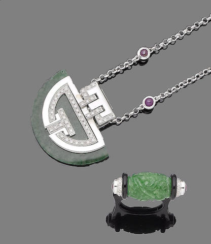A gem-set necklace and ring (2)