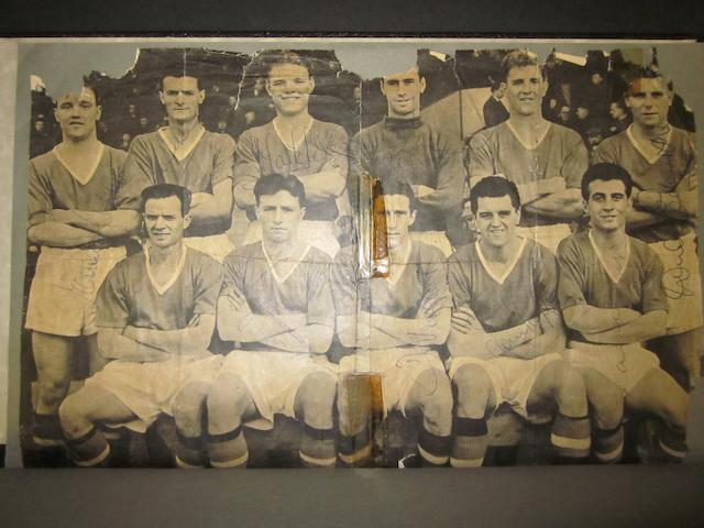 Busby Babes signed team picture