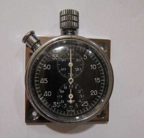 Heuer « Autavia »: Chronomètre de planche de bord,