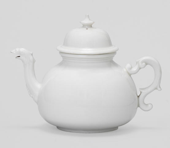 An early Meissen teapot and cover, circa 1715-20