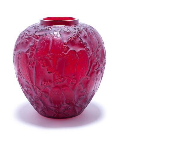 Red 'Perruches' vase
