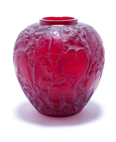 Red 'Perruches' vase