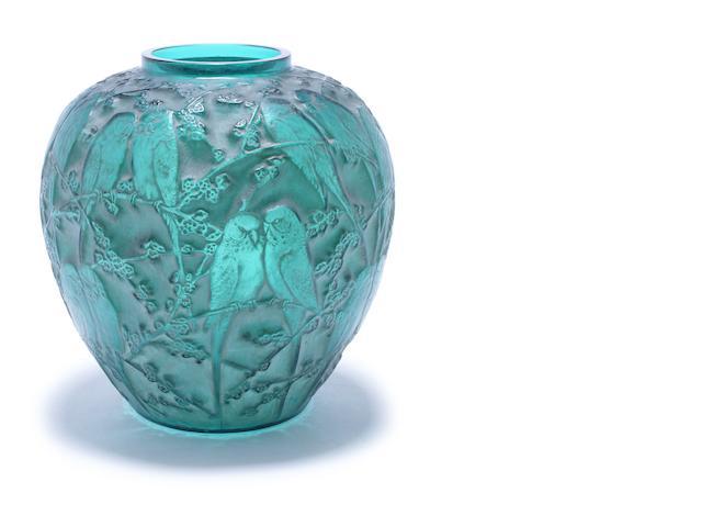 Green 'Perruches' vase