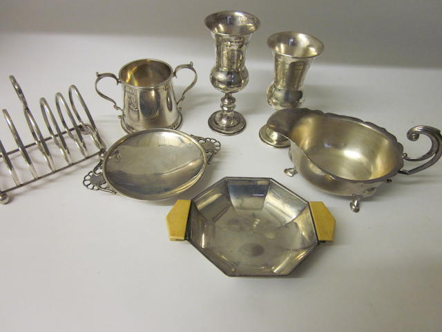 A silver sauce boat,  by E Viner,  Sheffield 1931,   (6)