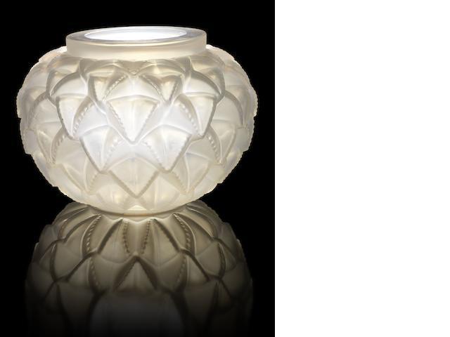 René Lalique 'Languedoc' a Vase, design 1929