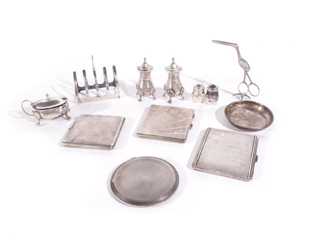 A collection of silver items  (14)