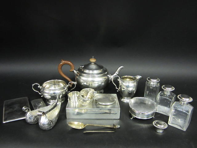 A silver three piece tea service Birmingham 1928 - 1932  (20)