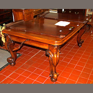 A Victorian telescopic walnut dining table