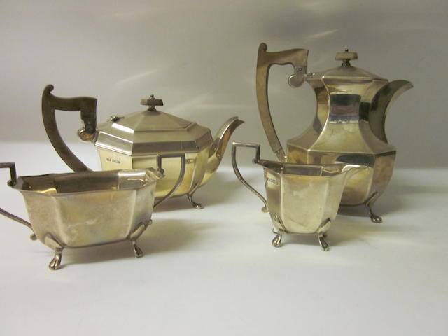 A matching four piece silver tea service,, by E Viner, Sheffield 1938/1959,  (4)