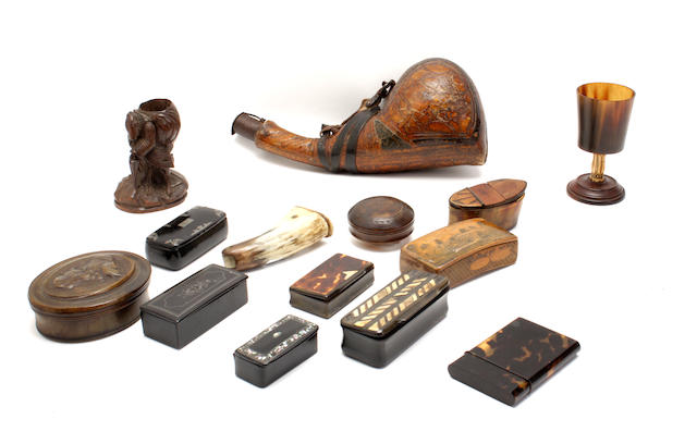 A collection of treen, horn and tortoiseshell boxes and items