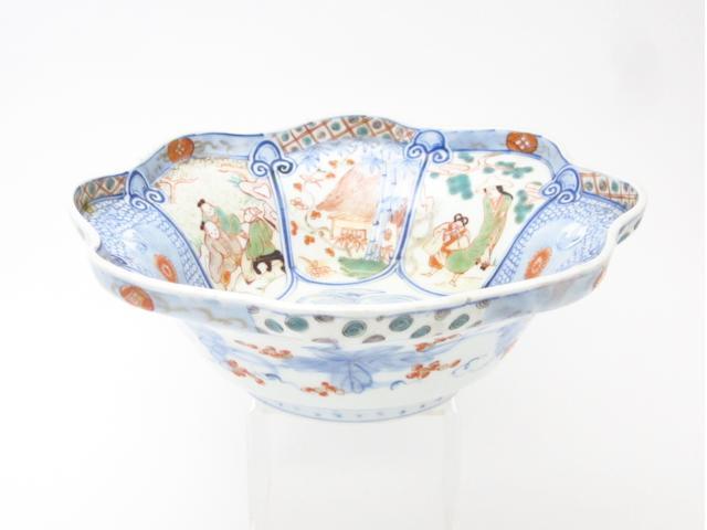 An Imari bowl Meiji