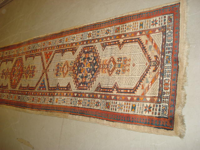 A Sarab runner, North West Persia, 460cm x 93cm
