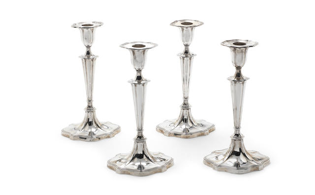 A set of four Victorian silver candlesticks Hawkesworth, Eyre & Co., Sheffield 1901  (4)