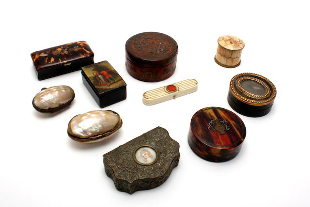 A group of eight various snuff and other boxes