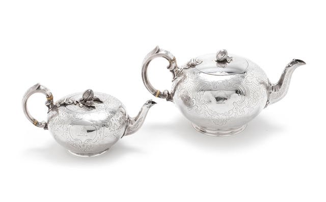 A Victorian silver melon teapot, Edward, John & William Barnard, London 1847, height 15cm, together with another, similar, Joseph & Albert Savory, London 1852, height 11cm (2)