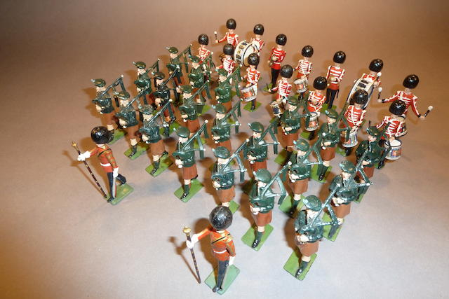 Britains Drums and Pipes of the Irish Guards 38