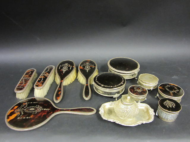 A ladies five piece silver and tortoise shell dressing set Birmingham 1918  (qty)