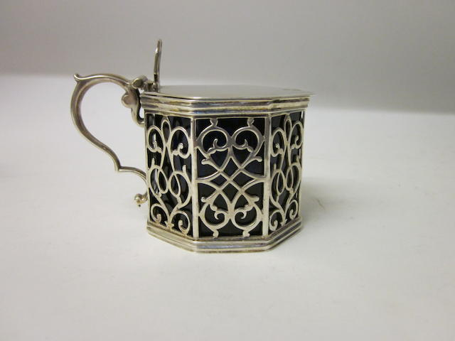 A Victorian silver mustard pot By the Barnard Bros., London 1842,