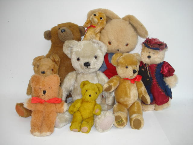 Collection of Teddy bears and soft toys, 1970's 9