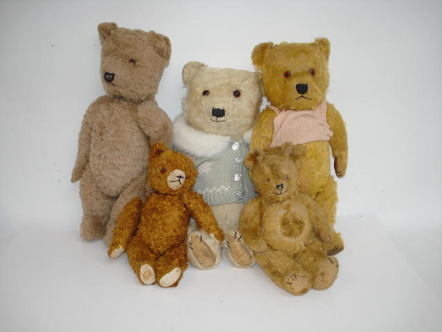Three Chiltern Teddy Bears, 1950's 5