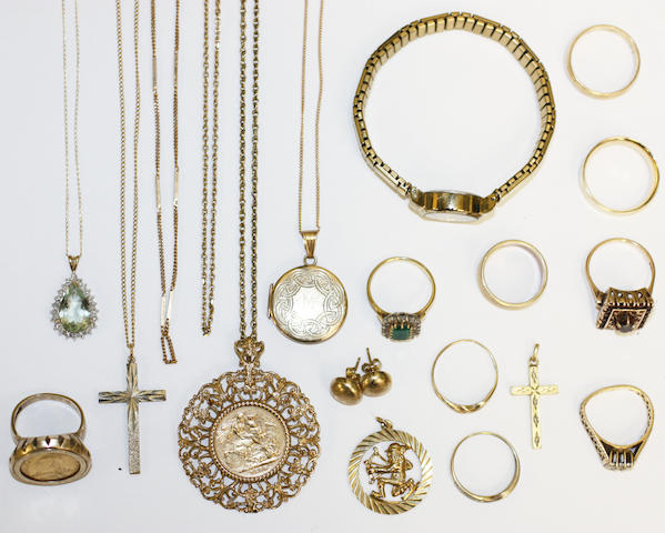 A collection of jewellery including