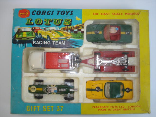 Corgi GS 37 Lotus racing team