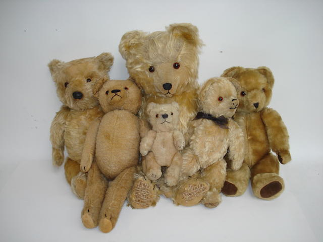 Collection of six Teddy bears, 1950's 6