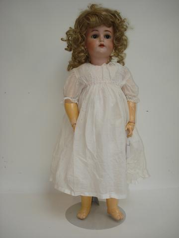 Simon & Halbig/K&R bisque head doll