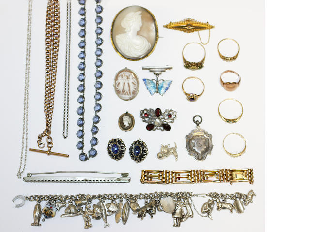 A collection of jewellery items,
