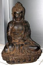 A large iron figure of Buddha Cast Yongle six-character mark