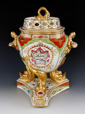 An impressive Chamberlain ice pail, cover and liner, circa 1800-1810
