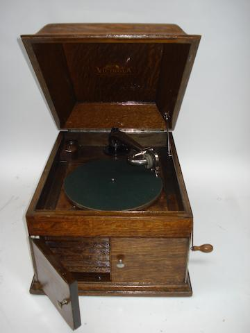 A Victor style V-VIII gramophone,