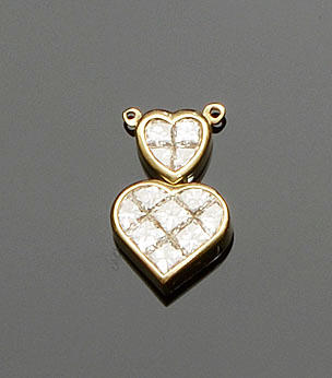 Kutchinsky: A diamond set heart pendant