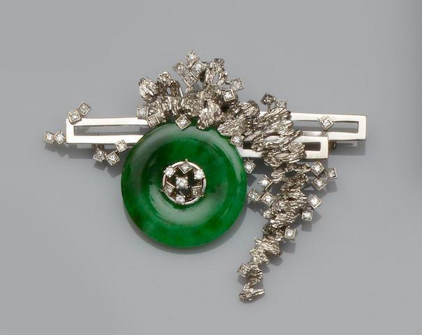 A jade and diamond brooch/pendant