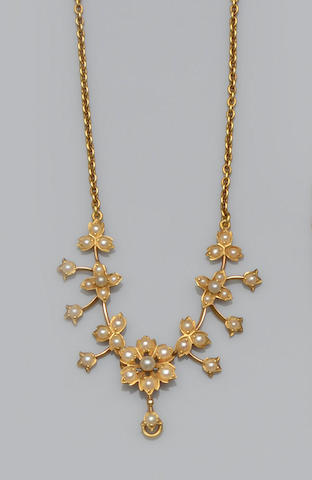 A seed pearl floral necklace