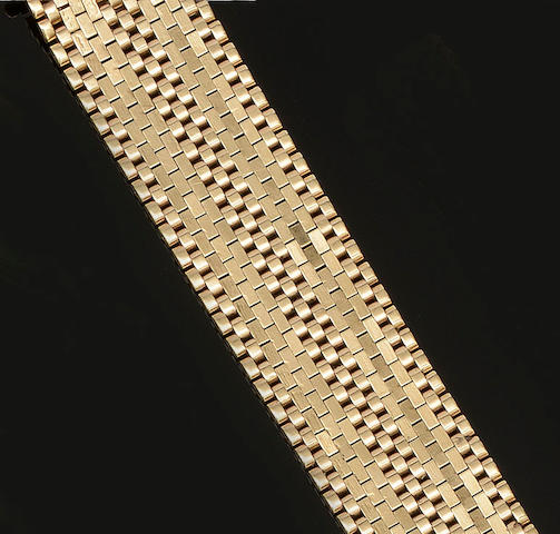 A 9ct gold wide brick-link bracelet
