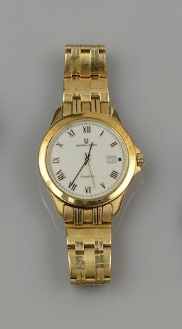 Universal Geneve: A gentleman's yellow precious metal wristwatch