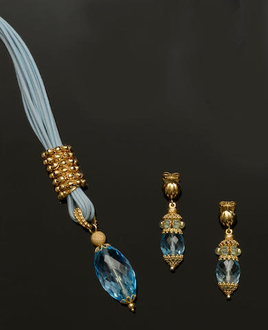 A blue topaz matched necklace and earpendants suite  (2)