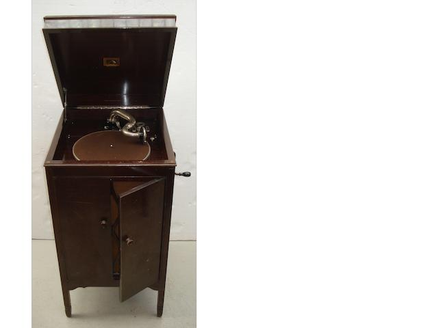 An HMV Model 157 re-entrant gramophone,