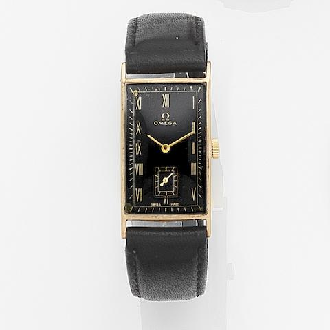 Omega. A 9ct gold manual wind wristwatch Movement No.8830639, Birmingham Hallmark for 1939