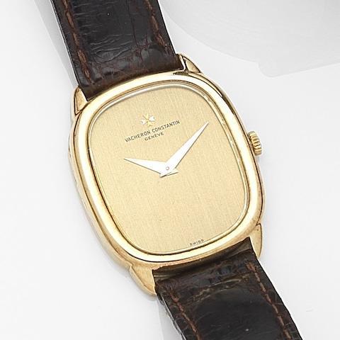 Vacheron Constantin. An 18ct gold manual wind wristwatch Ref:39007, Case No.529617, Movement No.694408, Circa 1980