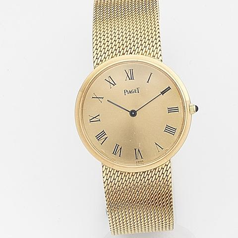 Piaget. An 18ct gold manual wind bracelet watchRef:902, Case No.144948, Movement No.6792424, Circa 1975