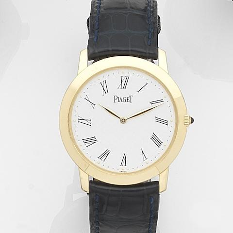 Piaget. An 18ct gold manual wind wristwatch Mecanique, Ref:9920, Case No.801329, Movement No.9603289, Circa 1990