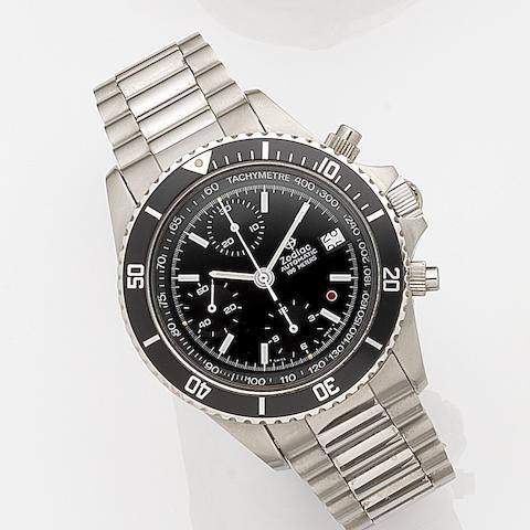 Zodiac. A stainless steel automatic calendar chronograph bracelet watchRef:406.31.11, Sold 28th April 1992
