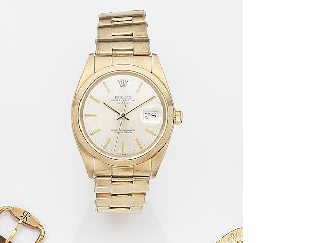 Rolex. A 14ct gold automatic calendar bracelet watch Date, Ref:1500, Case No.595****, Movement No.D84****, Circa 1979